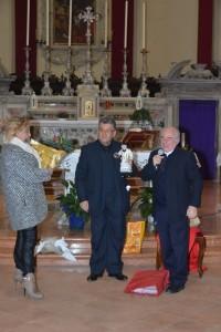Da sinistra dott.sa Anna Maria Romano, Francesco di Francesco, Padre Gino Troetto assistente spirituale della Sezione e rettore della Basilica.