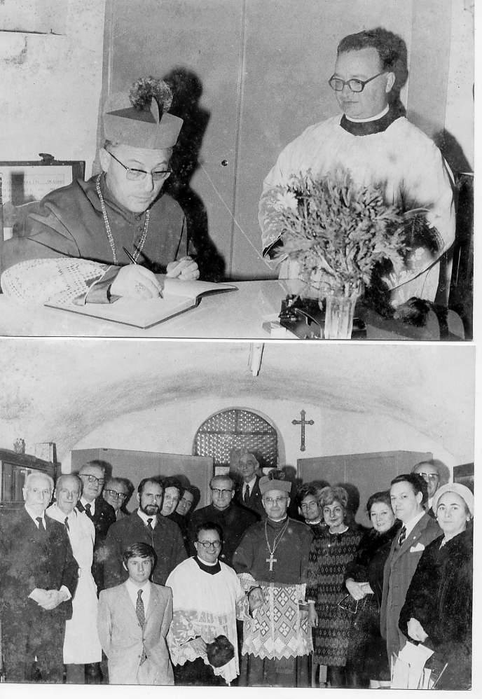 Il Cardinale Ugo Poletti firma il registro dei visitatori (in alto) e in una foto di gruppo con i presenti