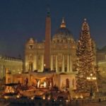 Papa Francesco dona il presepe a Betlemme