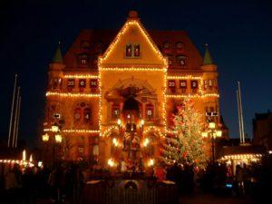 Municipio di Hunfeld (Germania) allestito per celebrare l'Avvento