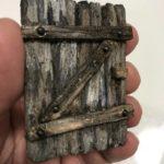 Tutorial: costruire con il polistirene un portone in legno