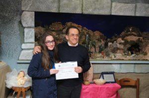 ALtamura - iL pResidente di Sede premia la piccola presepista Michaela PACE GENNARO