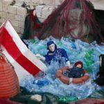 A Bari, la Natività ha come soggetto i naufraghi migranti
