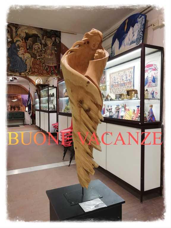 museo presepio roma - madonna in legno - buone vacanze